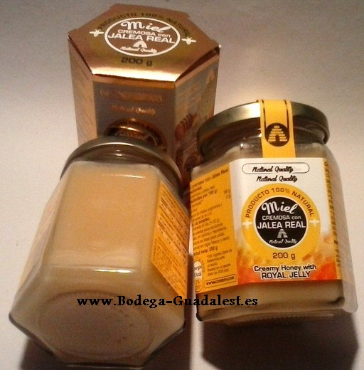 Creamy honey with Royal Jelly